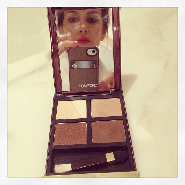 @cindycrawford: Totally coveting this new #TomFord eye shadow that makeup artist @rachel_goodwin is using on me today!