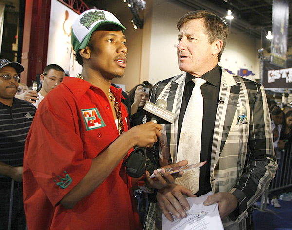Nick Cannon and Craig Sager :: Gregory Shamus/NBAE via Getty Images