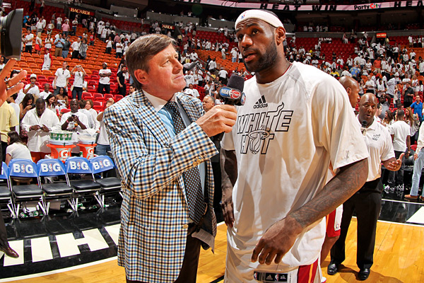 Craig Sager and LeBron James :: Issac Baldizon/NBAE via Getty Images