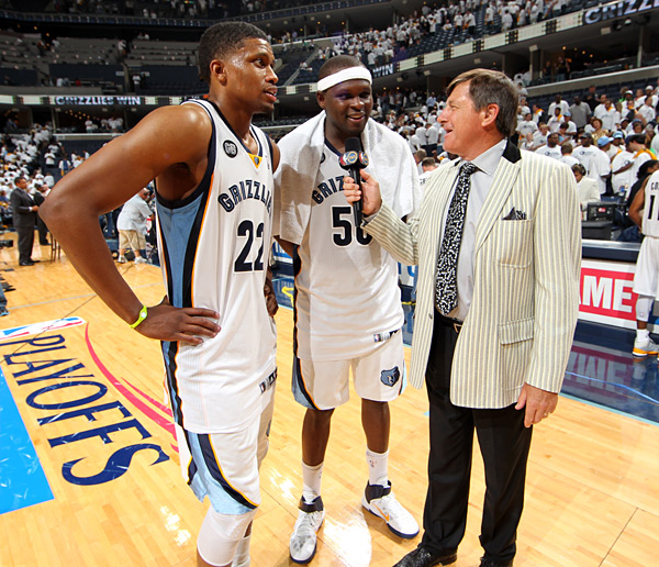 Rudy Gay, Zach Randolph and Craig Sager :: Joe Murphy/NBAE via Getty Images