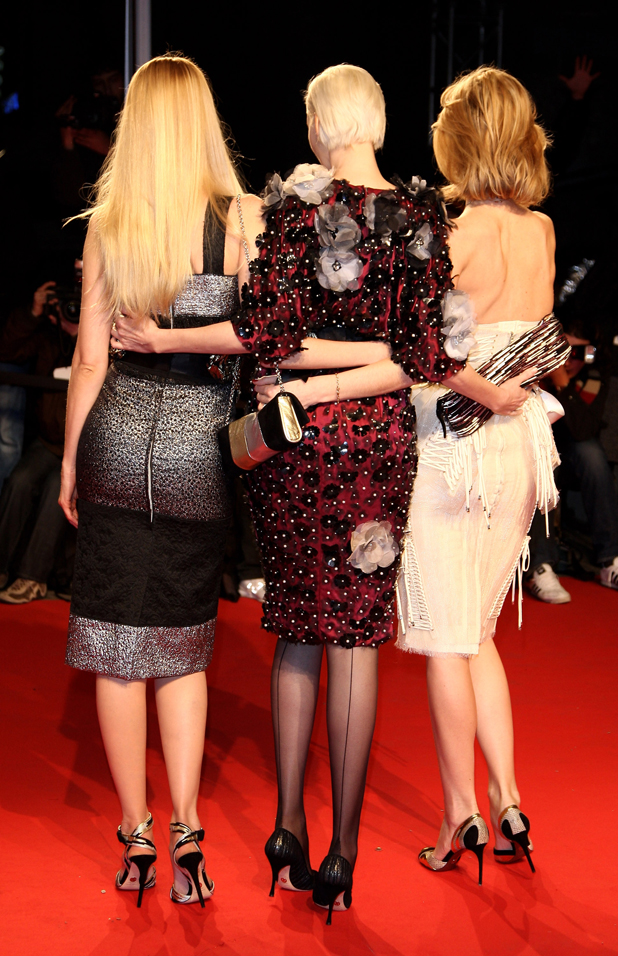 With Claudia Schiffer (left) and Nadia Auermann (center) in 2009  ::  Vittorio Zunino Celotto/Getty Images