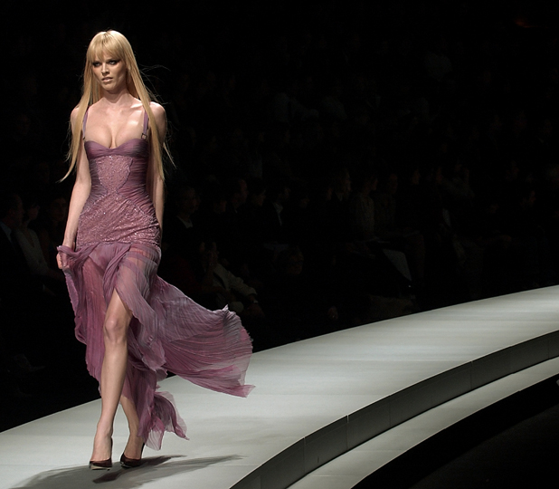 Versace, 2003  ::  Giuseppe Cacace/Getty Images