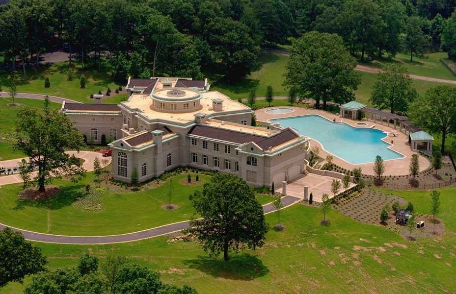 Evander Holyfield's mansion :: Jim Middleton/SI