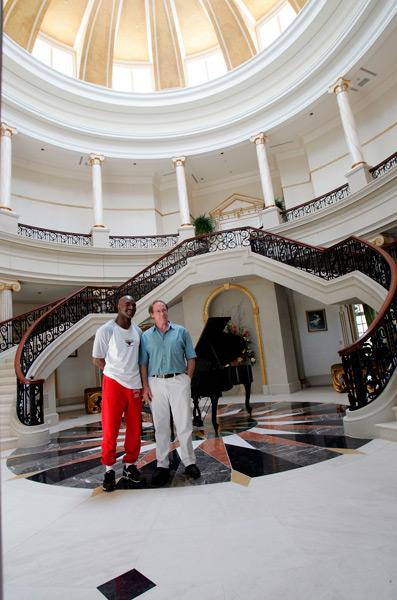 Evander Holyfield's mansion :: AP