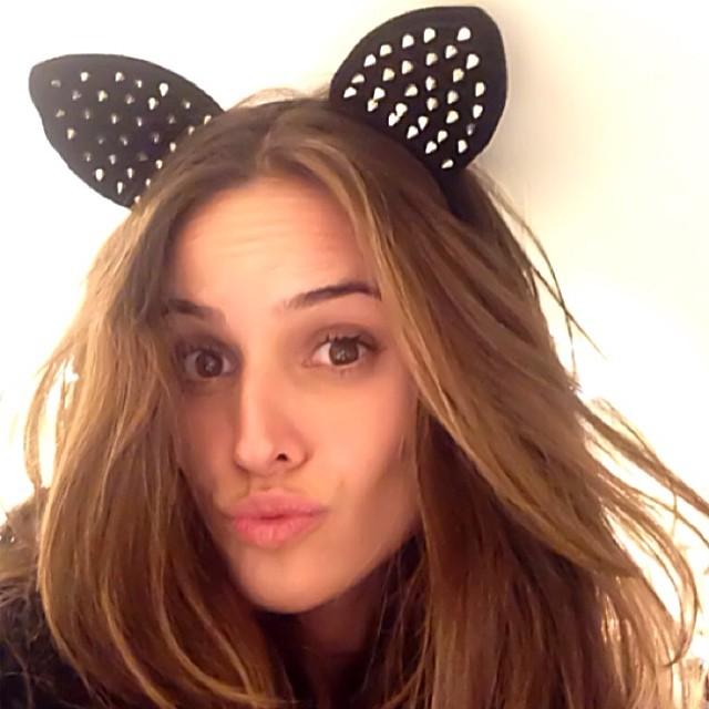 @iza_goulart: Been a little silly... Meow.. Haha Momento descontração haha Minhau #selfie #instamood #cat #mondays #makesomefun