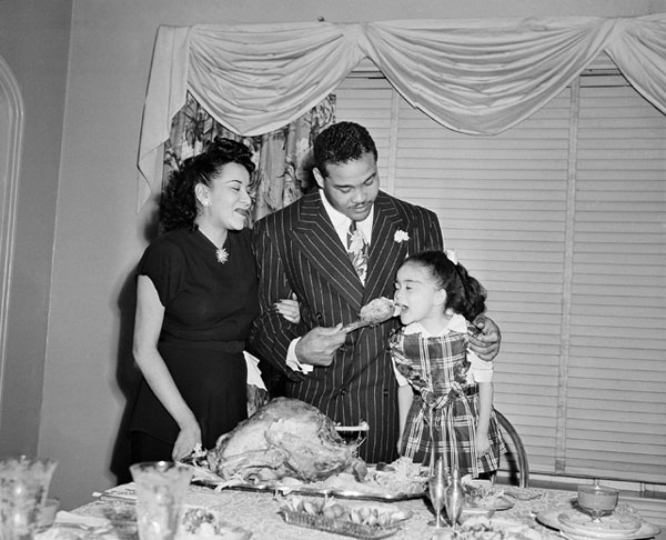 Joe Louis and family :: AP