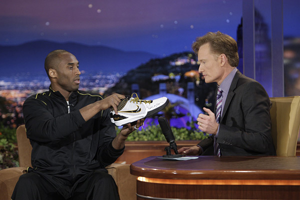Kobe Bryant and Conan O'Brien (2009) :: Paul Drinkwater/NBCU Photo Bank