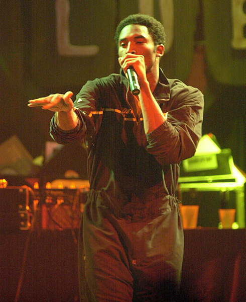 Kobe Bryant makes his debut as a rapper at the House of Blues in West Hollywood (2000) :: Steve W. Grayson/Getty Images