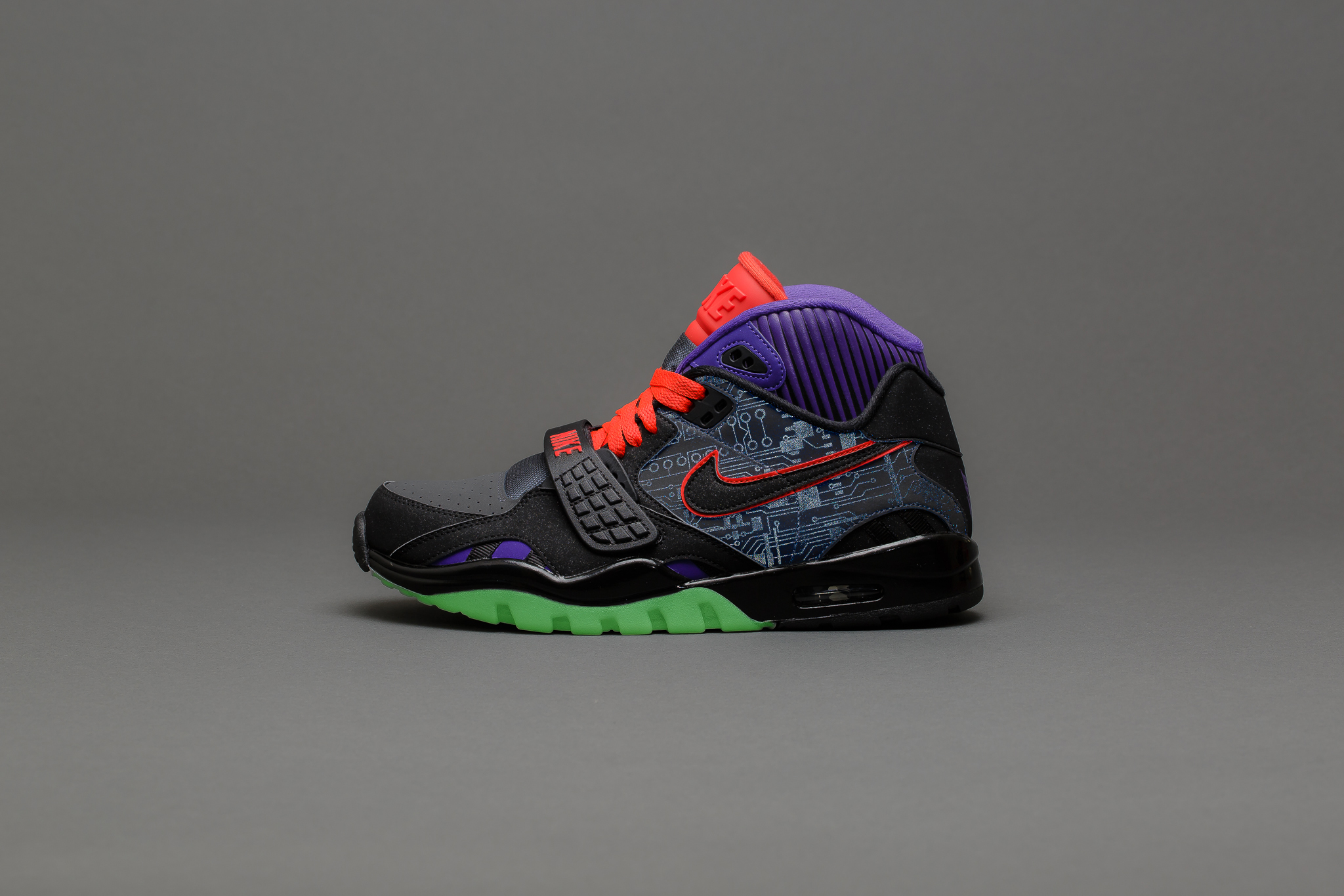 Nike Air Trainer SC II with glow