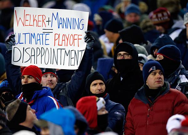 Denver Broncos vs. New England Patriots :: Jared Wickerham/Getty Images
