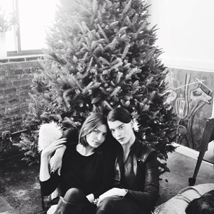 @luvalyssamiller In front of @jenniferstarr1 Christmas tree with the always beautiful @crystalball1111 such a fun time! #hashtagtalk