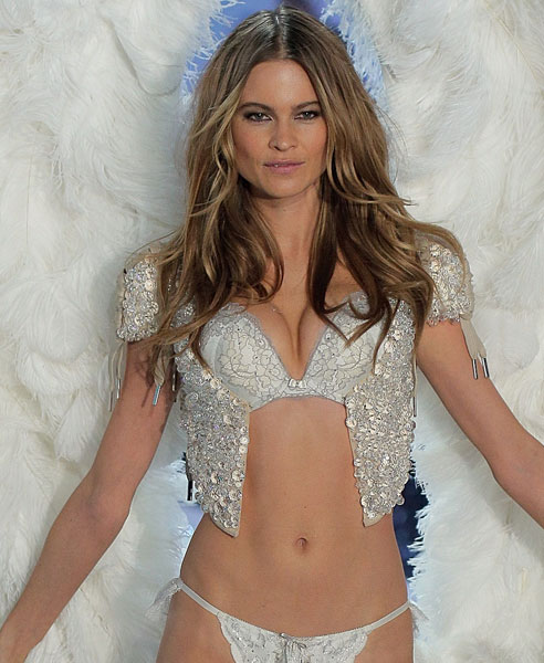 Behati Prinsloo :: Getty Images