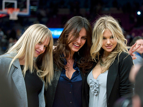 Genevieve Morton,, Catrinel Menghia and Kate Upton :: Reuters