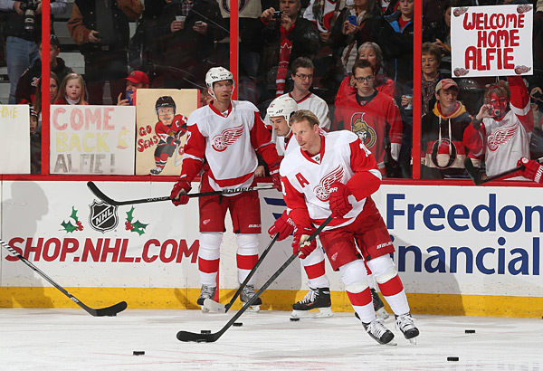 Detroit Red Wings vs. Ottawa Senators :: Andre Ringuette/NHLI via Getty Images