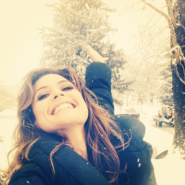 @josiemarancosmetics: It's snowing!!!! On the farm wooohoooo