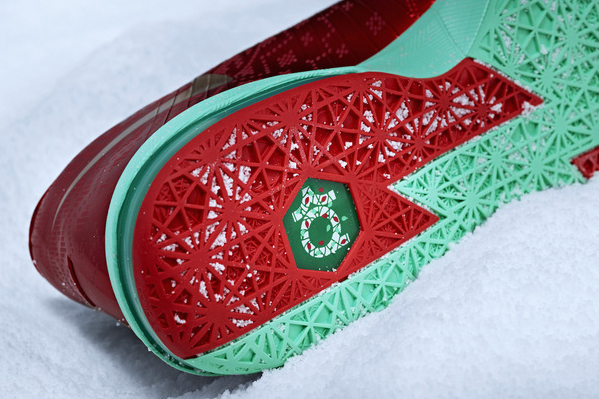 A look at the sole of the Christmas version of Kevin Durant's signature Nike sneaker, the KD VI. (Nike)