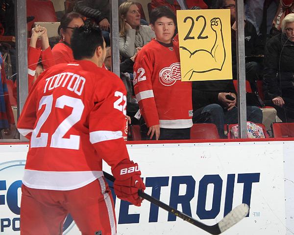 Calgary Flames vs. Detroit Red Wings :: Dave Reginek/NHLI via Getty Images
