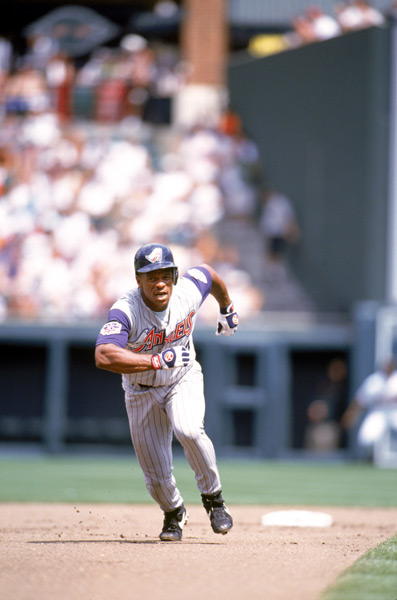 Rickey Henderson :: Getty Images