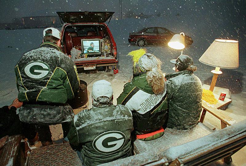 snow-tailgate.jpg