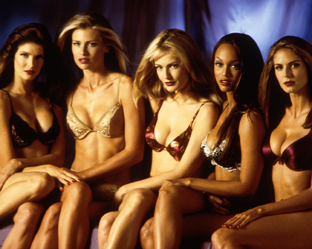 With fellow V.S. Angels  (from left) Stephanie Seymour, Daniela Pestova, Karen Mulder and Heidi Klum, 1998  ::  Marion Curtis/DMI/Time & Life Pictures/Getty Images