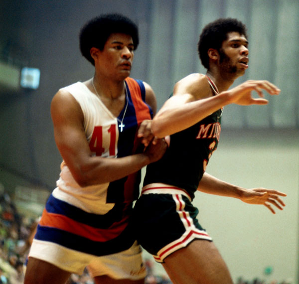 Wes Unseld and Kareem Abdul Jabbar :: Getty Images