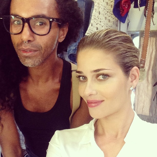 @anabbofficial: Back to work ! with @maxwebertotalbeauty #happy #lovemyjob #amoomeutrabalho #feliz