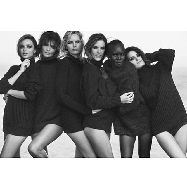 @isabellifontana_official: #pirellicalendar2014 tradicional picture by Peter Lindbergh on the natural light on the Beach @mirandakerr Helena Christensen, Karolina Kurcova, @alessandraambrosio , Alek Wek and I
