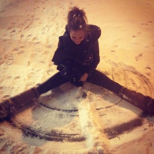 @chrissyteigen I love snow. I love it.