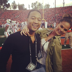 @chrissyteigen COOL #BCS