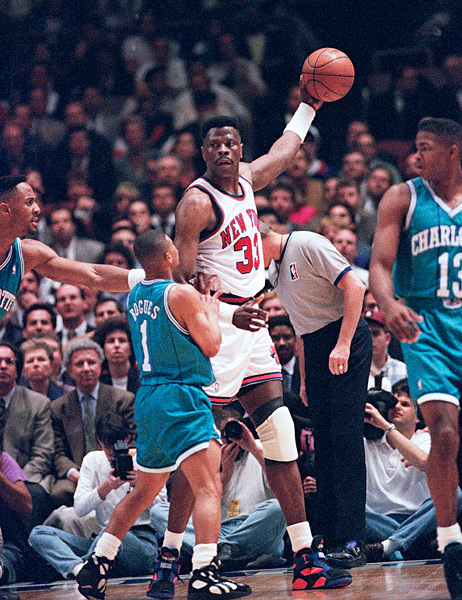 Patrick Ewing and Muggsy Bogues :: AP