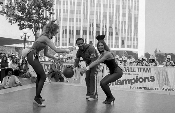 Harlem Globetrotters and Playboy Bunnies :: Time & Life/Getty Images
