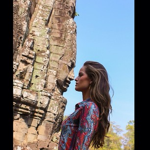 @iza_goulart Face To Face At Angkor Bayon Temple... #cambodia #bayontemple #temples #religion #spirituality #meditation #dreamholidays #lastday