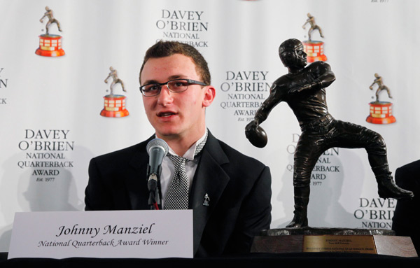 Manziel with the Davey O'Brien National Quarterback Award in Feb. 2013 (Rodger Mallison/Getty Images)