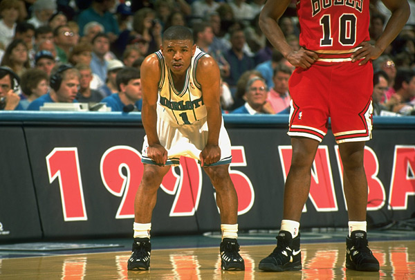 Muggsy Bogues and B.J. Armstrong :: David E. Klutho/SI