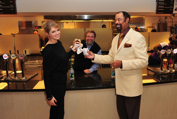 Kate Upton and Walt Frazier :: James Devaney/WireImage