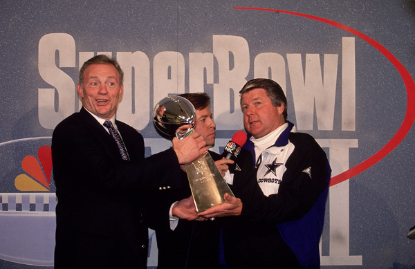Jerry Jones, Bob Costas and Jimmy Johnson :: Al Tielemans/SI