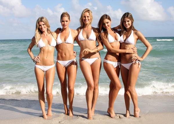 Marisa Miller, Doutzen Kroes, Karolina Kurkova, Miranda Kerr and Alessandra Ambrosio :: Getty Images