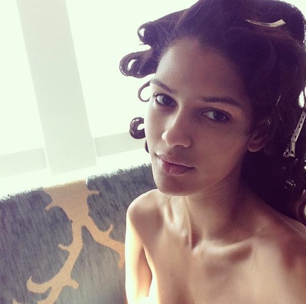 @crisurena: Selfie between hair and make-up #sirookie #siswim50Follow