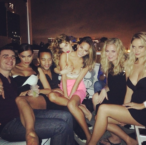 @irinashayk:                            @quinnmurphy1 @chrissyteigen @lauren_andersen @mj_day @johnlegend @genevievemorton @si_swimsuit #siswim50 #sportsillustrated that's what I call party #partytime #miami🎉🎉🎉
