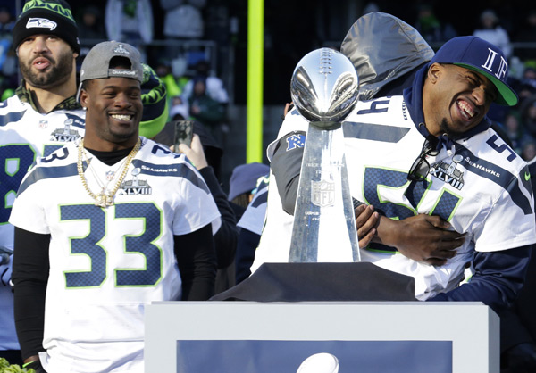 Bobby Wagner and Derrick Coleman :: AP