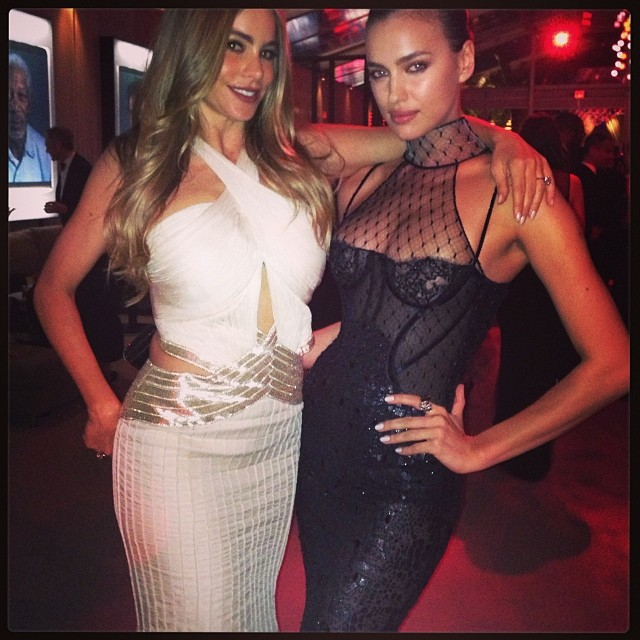@irinashayk: @sofiavergara the sexiest woman alive SOFIA @vanityfair #oscars