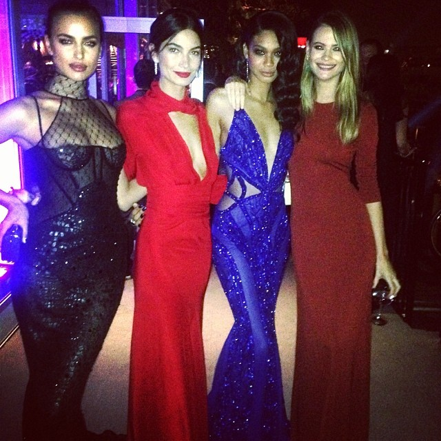 @chaneliman: Girl power @irinashayk @lilyaldridge @behatiiprinsloo #vanityfair #oscars