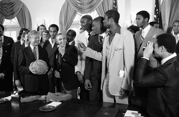 Louisville Men's Basketball Team and Jimmy Carter (1980) :: AP
