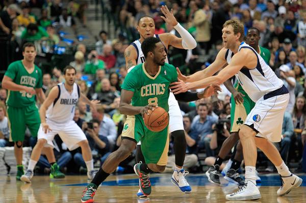 purchase cheap ce09c 85199 Photos: Celtics, Bulls wear green, sleeved Adidas jerseys ...