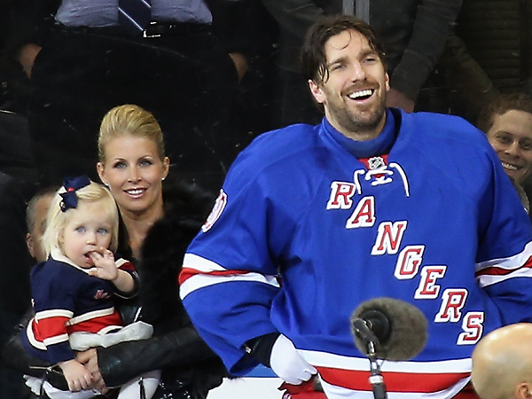 Rangers Honor Henrik Lundqvist As The New Franchise Wins Leader Si Com