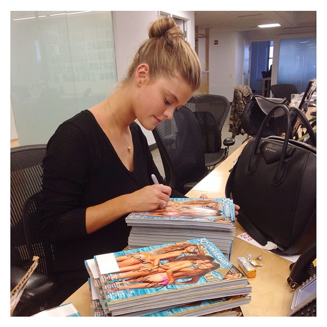 @ninaagdal: NINA AGDAL @NINAAGDAL SIGNING TONS OF SPORTS ILLUSTRATED @SI_SWIMSUIT COVERS AT THE AGENCY #ELITENYC #NINAAGDAL #SPORTSILLUSTRATED