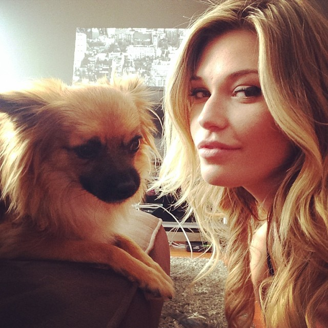 @samanthahoopes_: Boo chillin #Ollie #mainboo