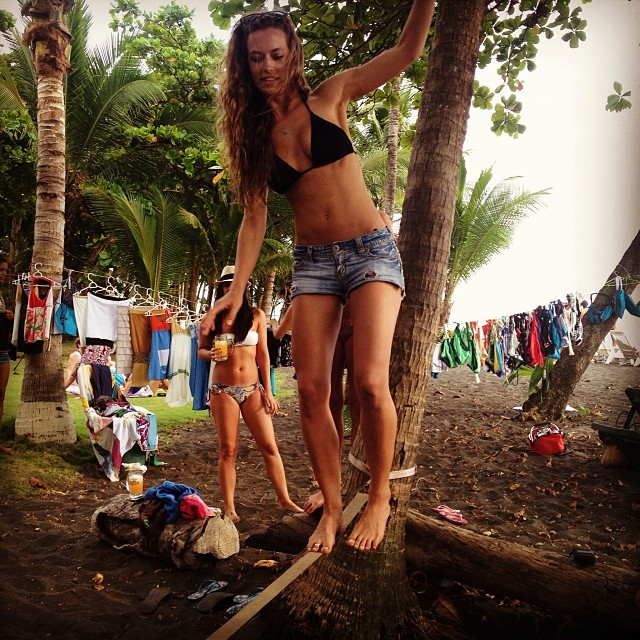 @hferguson1313: Flash back fridayyy #2013 #CostaRica #trip #allgirls #blacksand #beach #tightrope #harderthanitlooks