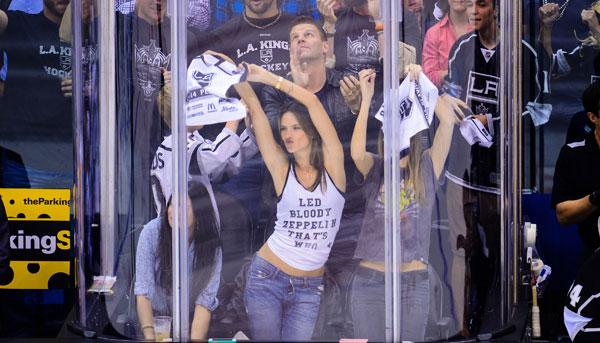 Alessandra Ambrosio, Los Angeles Kings vs. San Jose Sharks :: Getty Images