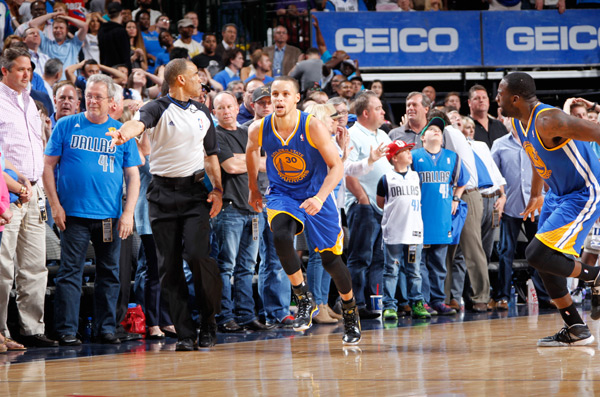 Stephen Curry :: Getty Images
